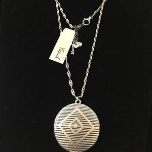 FOSSIL SILVER TONE LOCKET PENDANT NECKLACE